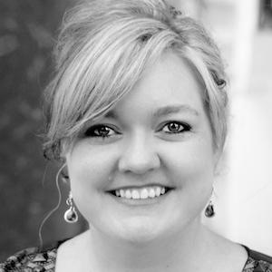 Colleen Hoover Age, Birthday, Birthplace, Bio, Zodiac &  Family