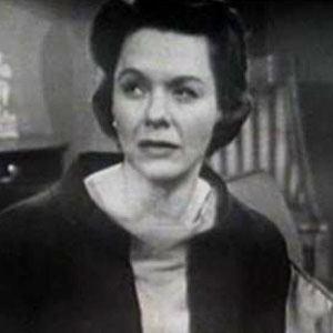 Helen Wagner Age, Birthday, Birthplace, Bio, Zodiac &  Family