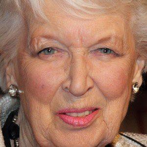 June Whitfield Age, Birthday, Birthplace, Bio, Zodiac &  Family