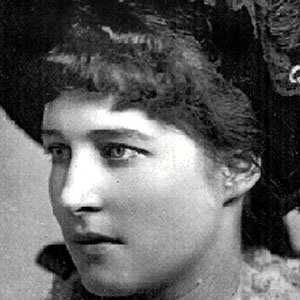 Lillie Langtry Age, Birthday, Birthplace, Bio, Zodiac &  Family