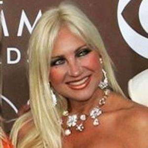 Linda Hogan Age, Birthday, Birthplace, Bio, Zodiac &  Family