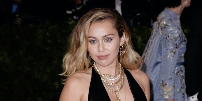 Miley Cyrus Age, Birthday, Birthplace, Bio, Zodiac &  Family
