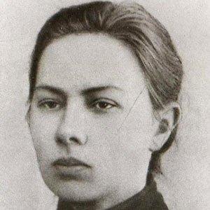 Nadezhda Krupskaya Age, Birthday, Birthplace, Bio, Zodiac &  Family