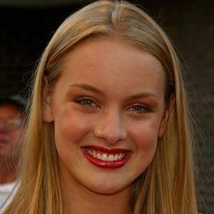 Rachel Skarsten Age, Birthday, Birthplace, Bio, Zodiac &  Family