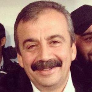 Sirri Süreyya Önder Age, Birthday, Birthplace, Bio, Zodiac &  Family