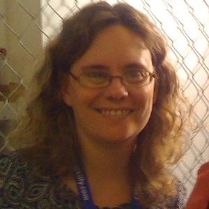 Stephanie Ann Pearl-McPhee Age, Birthday, Birthplace, Bio, Zodiac &  Family