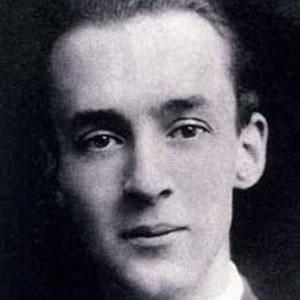 Vladimir Nabokov Age, Birthday, Birthplace, Bio, Zodiac &  Family