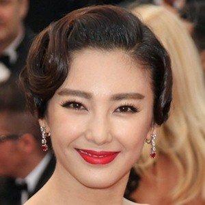 Zhang Yuqi Age, Birthday, Birthplace, Bio, Zodiac &  Family